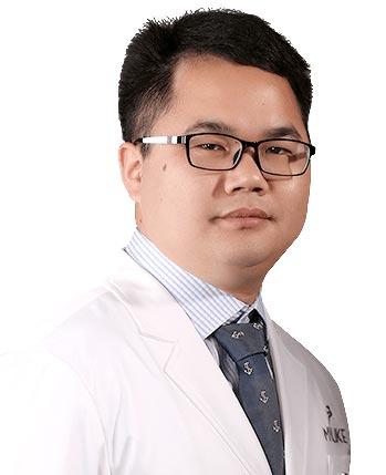 上海美莱眼部专家何祥龙教授