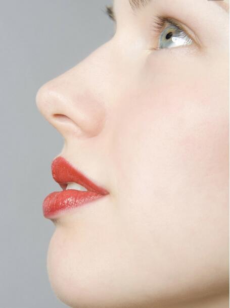 上海美莱玻尿酸隆鼻有哪些优势呢?