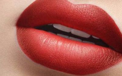 注射丰唇后怎么护理比较好