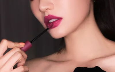 上海美莱做隆鼻手术后鼻子会肿胀多久