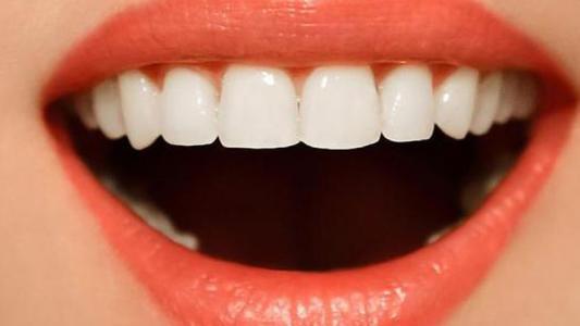 上海装一颗牙多少钱